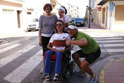 Víctor Cerdà saluda a Iván Doñate en Bétera