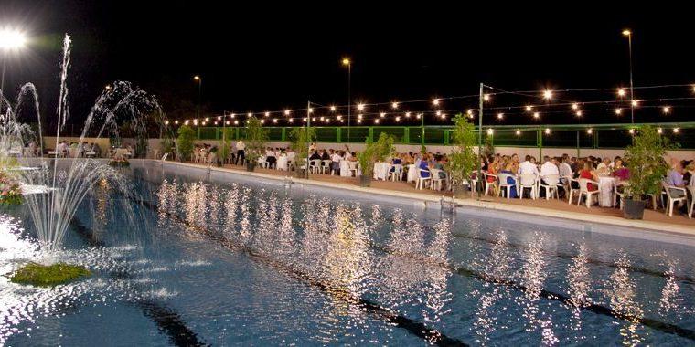 Las fiestas de agosto en b tera comienzan ma ana con la for Cena in piscina